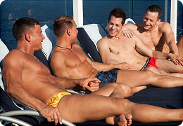 Cruise-experience-guys-tanning-in-the-sun